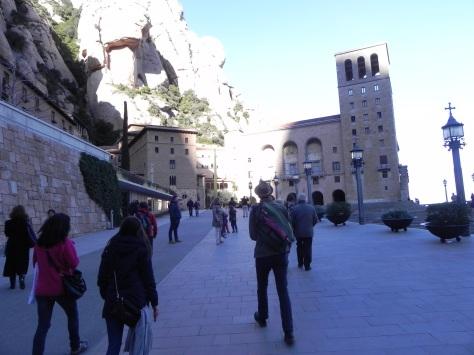 Approaching the courtyard of Santa Maria de Montserrat.